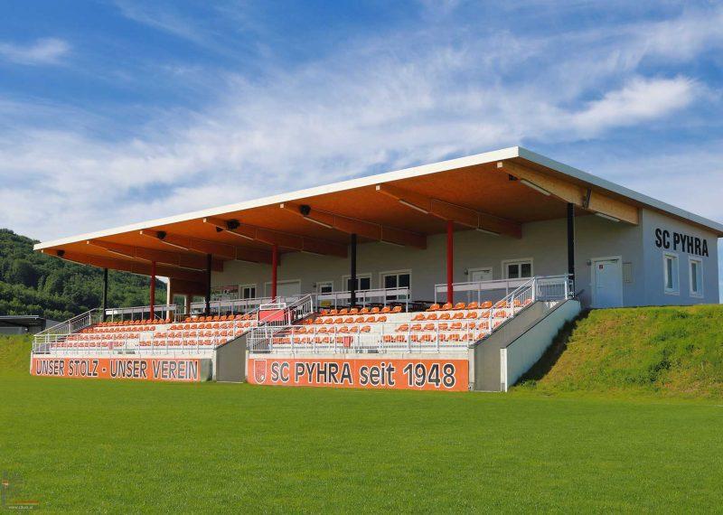 Fußballplatz Neubau