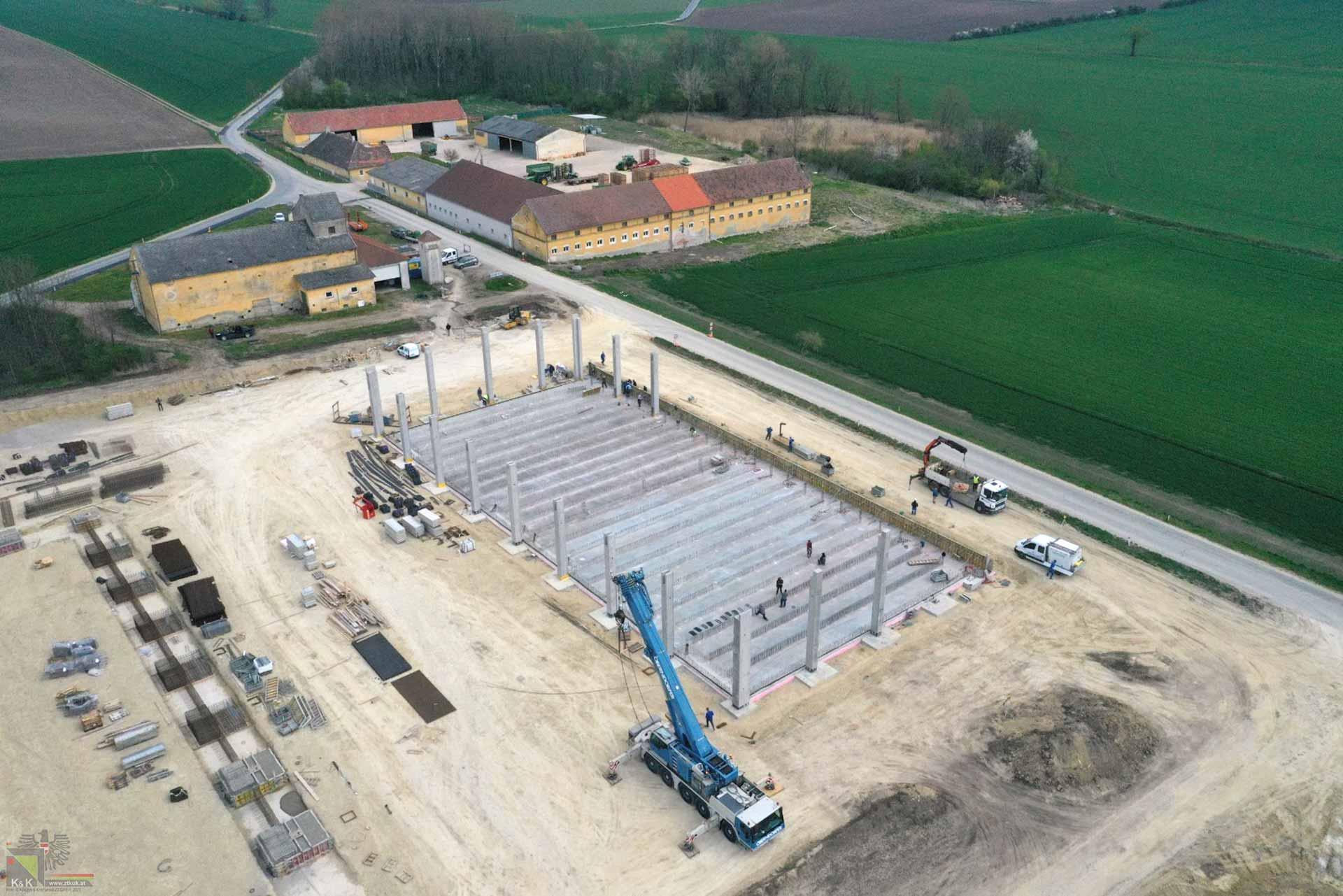 Hallen-Neubau